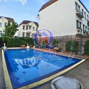 ทาวน์เฮ้าส์ 3 ชั้น 21 ตร.วา บ้านกลางเมือง อ่อนนุช 46 ทำเลและบรรยากาศดีมาก ติดสนามเด็กเล่นและสระว่ายน้ำในโครงการ สวย พร้อมอยู่